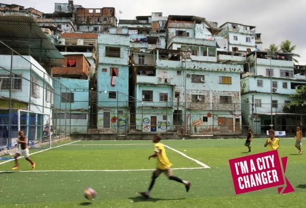 Niños en ciudad de Río