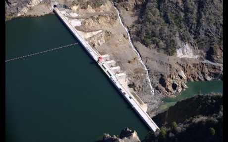 represa central hidroeléctrica